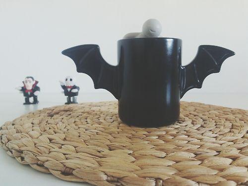 Hello monday! Mr.Tea i Batman :)