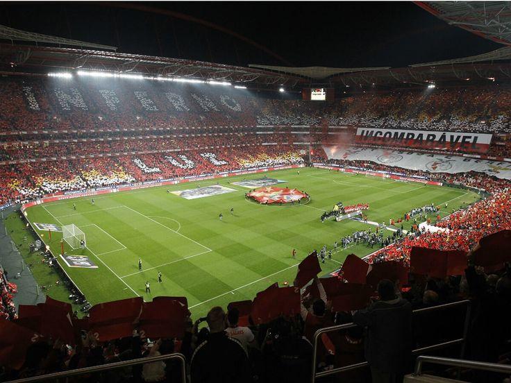 """Estádio da Luz, SL Benfica. """"Obra e vitórias que falam por nós""""."""