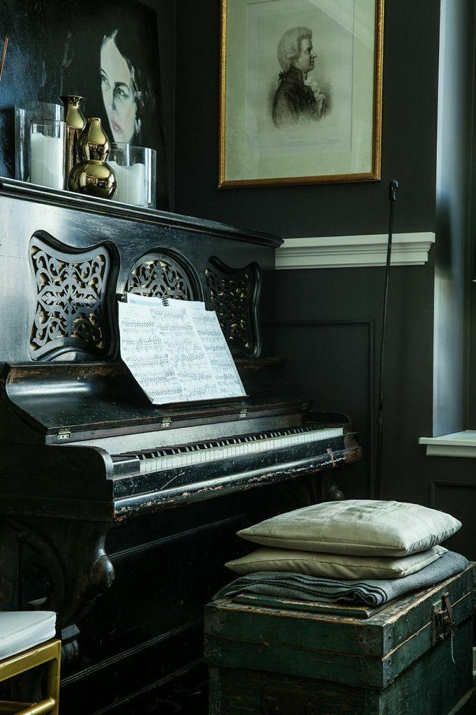 AT HOME WITH: Lizette Bruckstein
