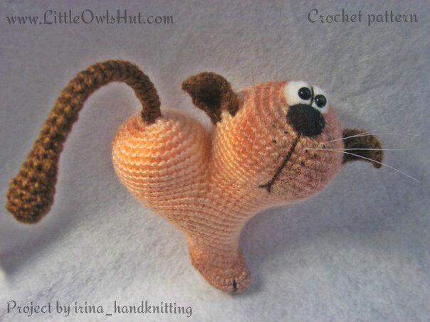 Project by irina_handknitting. Crochet pattern by Pertseva Cat Heart ValentinCat 14 February Ravelry #LittleOwlsHut, #Amigurumi, #CrohetPattern, #Crochet, #Crocheted, #Cat, #Pertseva, #DIY, #Craft, #Pattern, #Valentine's, #14February