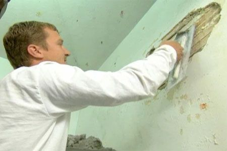 with host Kevin O'Connor | thisoldhouse.com | from How to Repair Plaster  oh man the toutorial i have been waiting for.