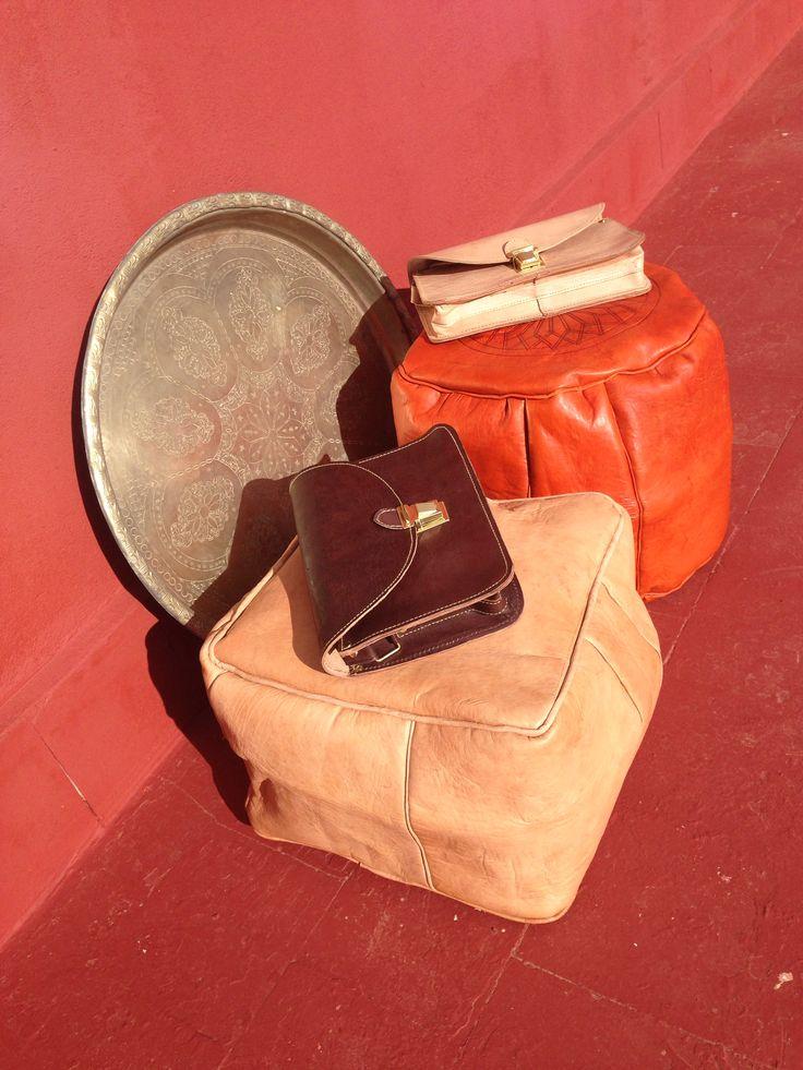Lederen poefjes en tassen, handgemaakt en helemaal nieuw! Check www.facebook.com/soocz