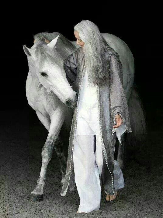 Stunning shades of silver (model Yasmina Rossi)
