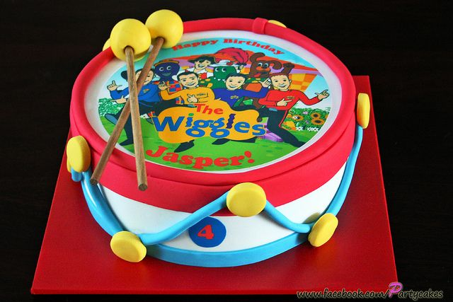Wiggles Drum Cake