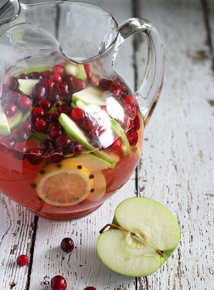 Spiced apple cranberry sangria