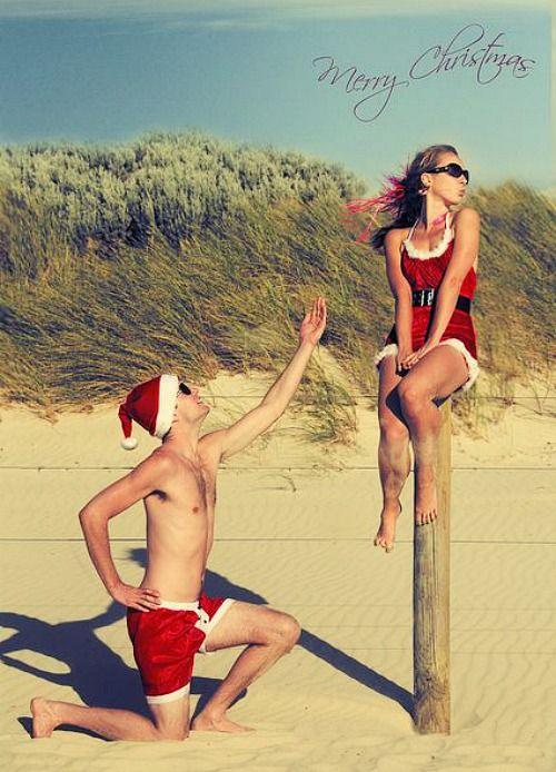 Fun Beach Christmas Card Idea: http://beachblissliving.com/beach-christmas-card-photo-ideas/