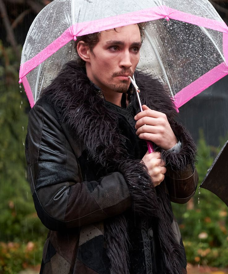 "Why You're So Obsessed With This ""Umbrella Academy"" Character"