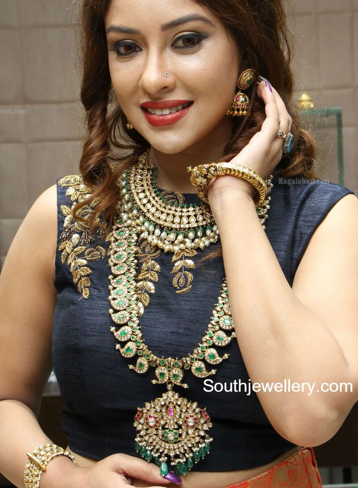 Payal Ghosh in Hiya Jewellery photo
