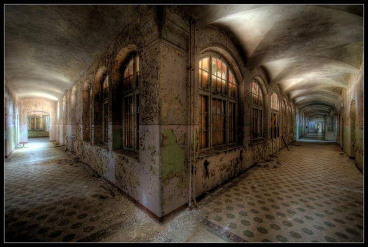 Beelitz Heilstatten Corridor