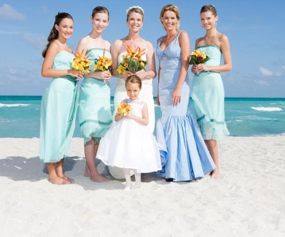 """How to be a """"Bridezilla"""" 101 - 13 Ways Brides Expect Too Much From Bridesmaids"""