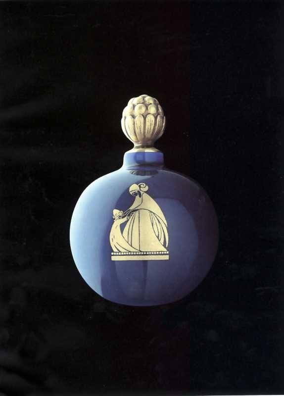 die besten 25 vintage parfumflaschen ideen auf pinterest parf mflakons aus glas antike. Black Bedroom Furniture Sets. Home Design Ideas