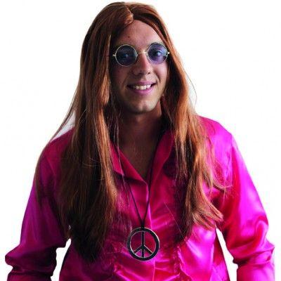 Cette perruque aux longs cheveux synthétiques de couleur rousse et à la raie au milieu est un élément indispensable pour se déguiser en hippie !  Pour ceux qui ont un peu d'imagination, elle peut, avec d'autres accessoires, servir pour un autre déguisement comme par exemple : les cheveux tressés et de fausses tâches de rousseurs : fifi brindacier.