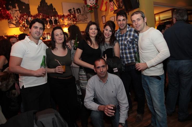 Fiestas en El Cuento Bar con amigos.