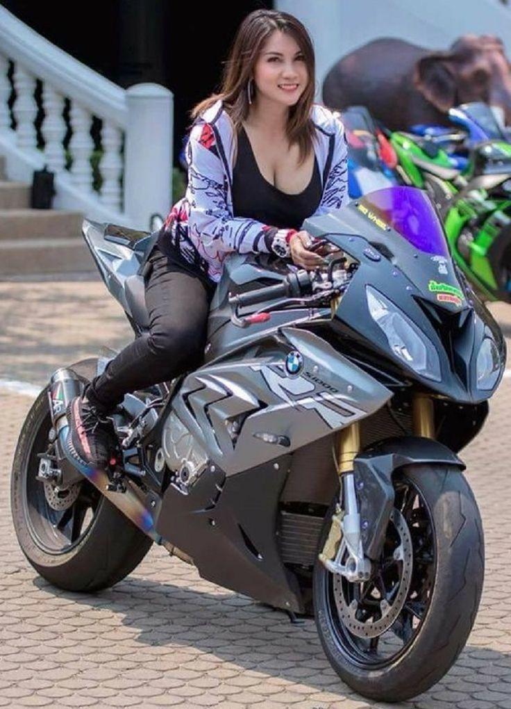 Pin von Alice Montona auf Auto und Mädchen   Motorrad