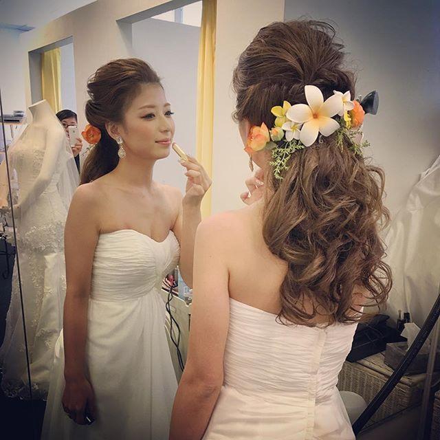 Cute bride ♡ #wedding #hawaiiwedding #weddinghair #bride #bridehair #arrangehair #hairartange #hairstyle #hairset #hairmake #花嫁 #花嫁ヘアメイク #花嫁ヘア #ハワイヘアメイク #髪型 #ヘアスタイル #プレ花嫁 #おしゃれ花嫁 #オシャレヘア #ゆるふわ #くるりんぱ #外人風 #ブライダル #ブライダルヘアメイク #ブライダルヘア #ウェディング #ウェディングヘアメイク #ウェディングヘア #ハワイヘアメイク #ねじりアレンジ