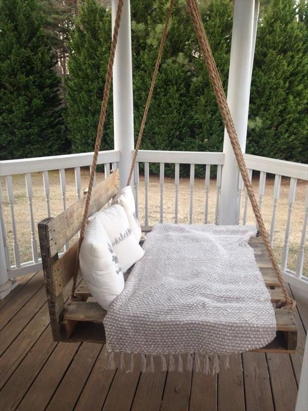 h ngebett selber bauen 44 diy ideen f r bett aus paletten. Black Bedroom Furniture Sets. Home Design Ideas