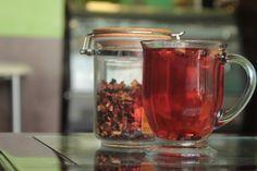 Karın bölgesi yağlarını eriten ve karın düzleştiren çay tarifi http://www.sagliklibesin.net/2014/11/karin-bolgesi-yaglarini-eriten-ve-karni.html