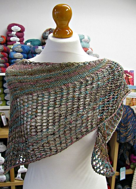 Ravelry: Super Eyelet Shawl pattern by Fiona Wright {free}