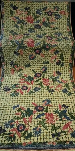 Pekalongan adik bayi type but this came out as early 1970 made,still full hand work and morning noon  type cloth.