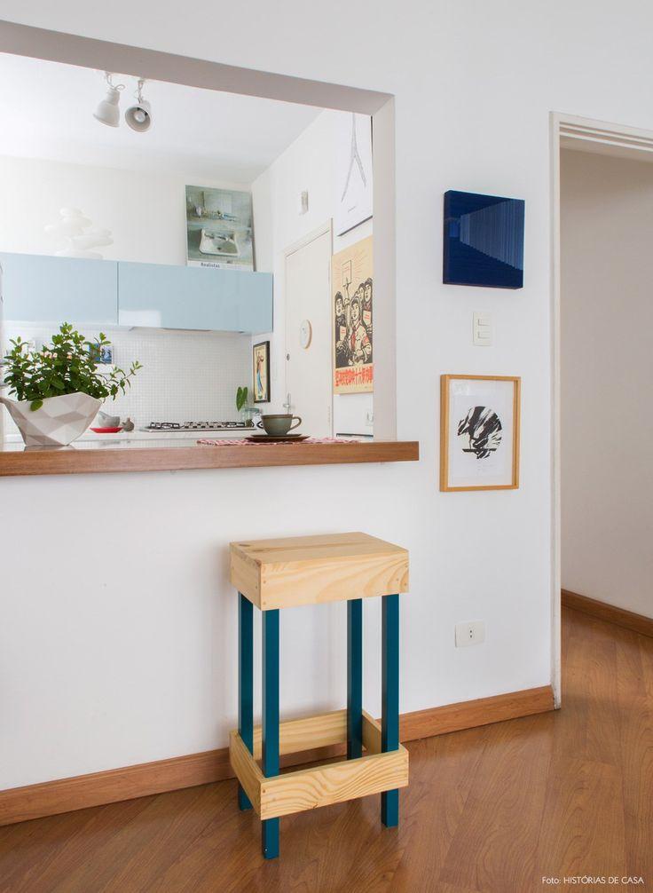 O apartamento em um prédio da década de 1940 no bairro Higienópolis passou por diferentes reformas ao longo dos anos para se adaptar ao gosto dos moradores.