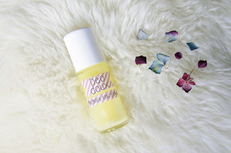 Personnalisable et simple à réaliser, ce déo laisse la peau douce tout en laissant une agréable odeur, et bonus il ralentit la pousse des poils!