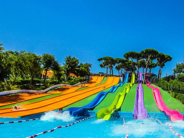 Make your visit to Barcelona a dream come true for the little ones in the house.  Illa Fantasia is a water park located in Vilassar de Dalt in the Maresme region.  More than 22 slides, three macro pools and a large picnic area will make you enjoy an unforgettable family day.  We will wait for you!