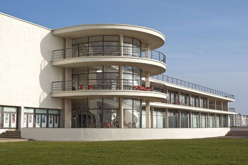 De La Warr Pavilion, Bexhill, East Sussex. Designed by Serge Chermayeff and Erich Mendelsohn in 1935.