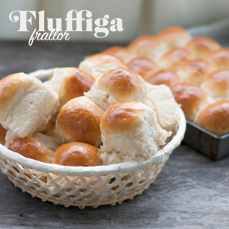 Baka otroligt fluffiga och mjuka frallor och servera som brytbröd till middagen.