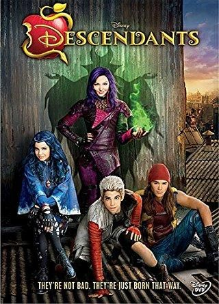 Dove Cameron & Cameron Boyce & Kenny Ortega-Descendants