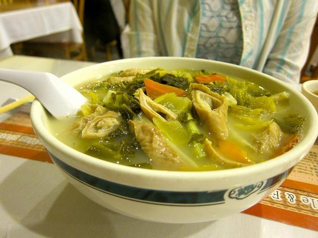 酸菜大腸麵