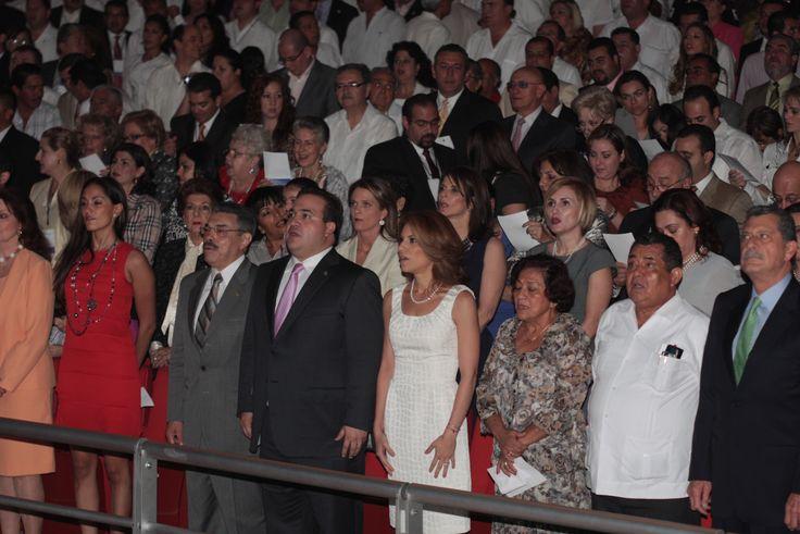 El gobernador Javier Duarte de Ochoa acude a la Toma de Protesta de Karime Macias Tubilla como presidenta del DIF estatal