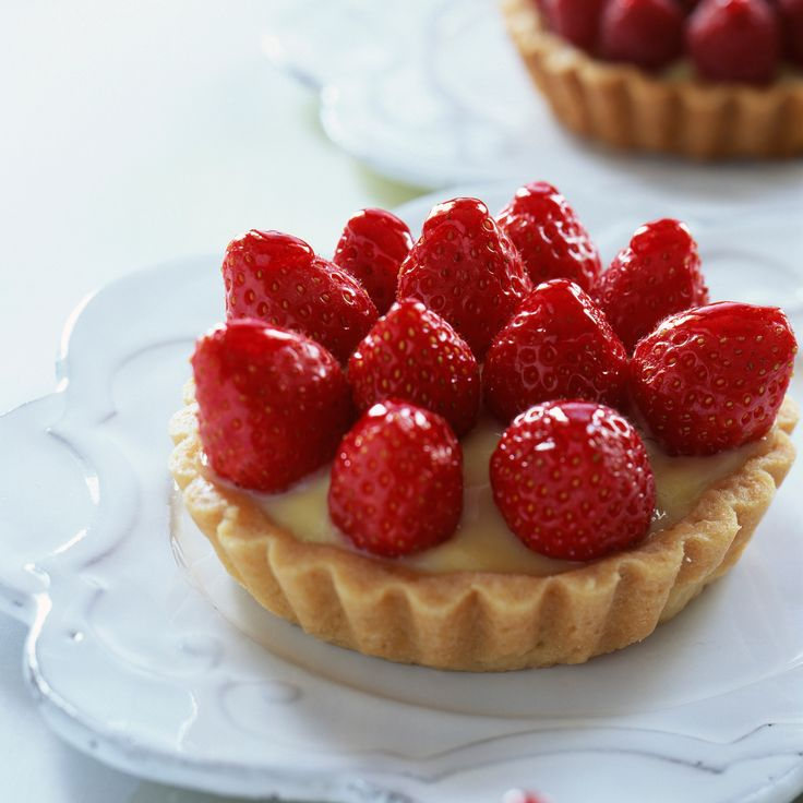 17 best images about 1 2 3 patissier on pinterest meringue moka and chic chic - Decoration tarte aux fraises ...
