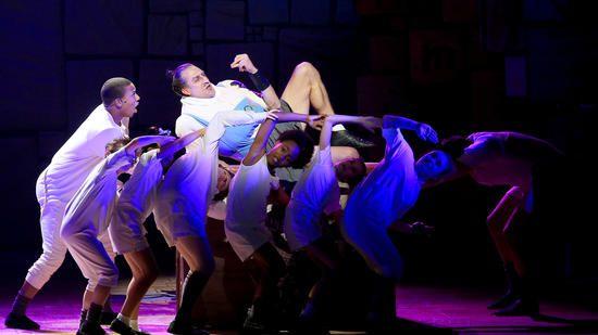 MATILDA THE MUSICAL AT THE AHMANSON THEATRE, REVIEW : Press Pass LA