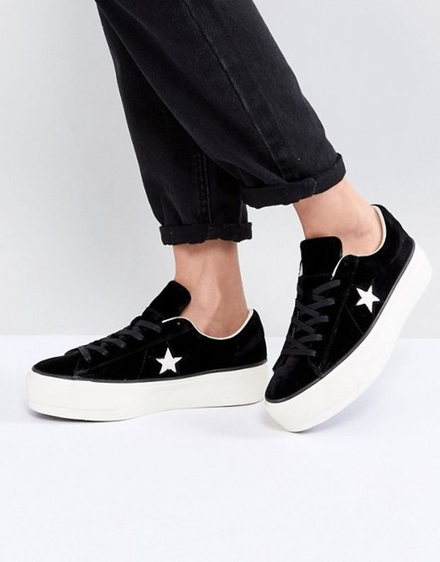74c4b0668d9166 Converse One Star Platform Ox In Black at asos.com