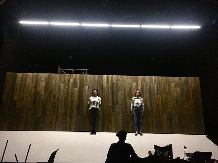 AMSTERDAM von #mayaaradyasur am @theaterkiel Inszenierung von@josuaroesing Büh…