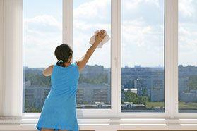 Fenster putzen wie ein Profi, Fenster streifenfrei putzen, Fenster Mikrofasertuch, Fenster nur mit Wasser putzen, Fenster ohne Glasreiniger putzen, Glasreiniger Alternative