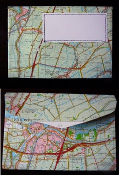 Handgemaakte atlas-enveloppen van met draad en raad