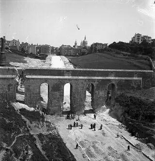 Construção da estrada, no aqueduto das águas livres, Lisboa.