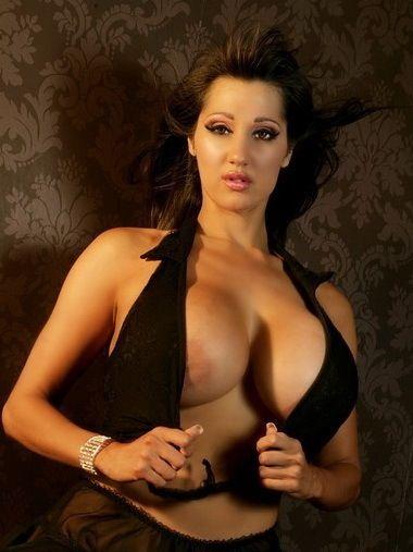 Rukhsana Nude 31
