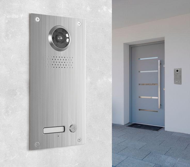 Die Neostar BMV-T2401W mit 130° Bildwinkel und 700TVL ist eine Unterputz-Türstation für Einfamilienhaushalte. Die Türstation überzeugt durch modernes Design und eine enorme Funktionsvielfalt mit höchstem Bedienkomfort. Die edle Verarbeitung aus gebürstetem Edelstahl sorgt nicht nur für optisch ansprechendes Aussehen, sondern auch für Beständigkeit und Resistenzfähigkeit sogar gegen widrige Wetterbedingungen, dank der Schutzklasse IP54.
