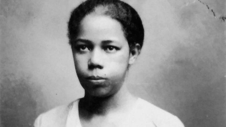 Há 81 anos, Antonieta da Barros se tornava a primeira mulher negra a conquistar um mandato popular no Brasil. A professora, jornalista, feminista quase apagada dos livros de História, agora ganha um filme seu.