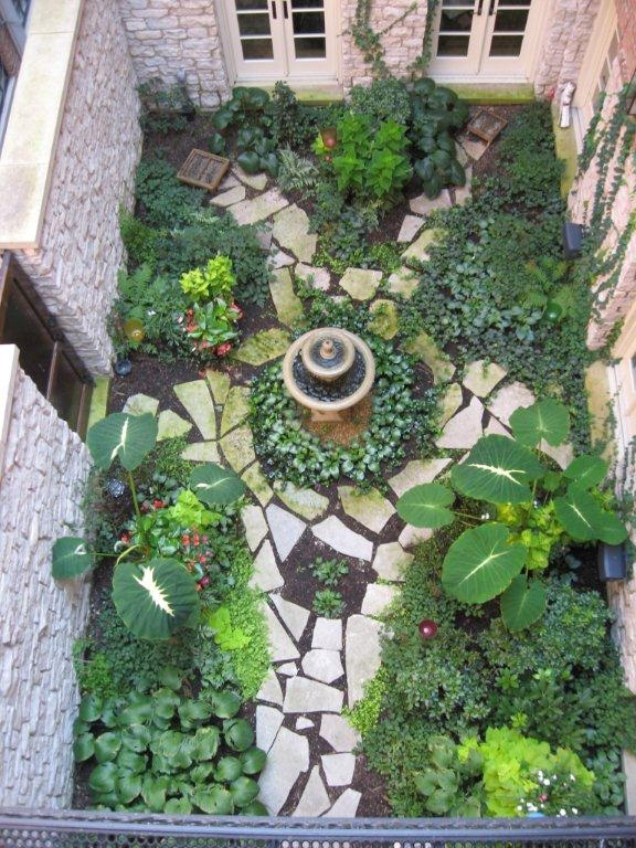 Secret garden overview wouldn 39 t this be awesome in the for Garden in the house
