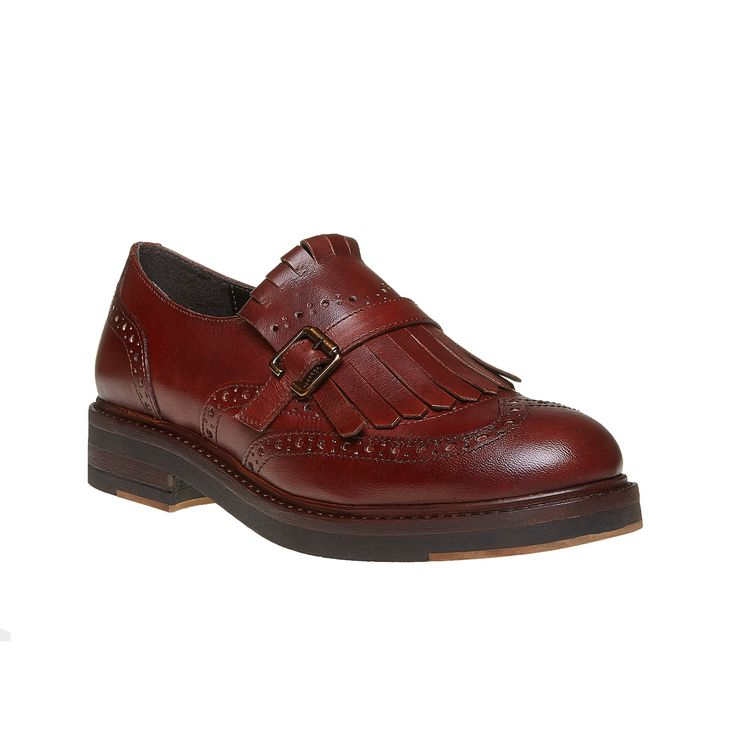 Scarpe da donna in stile Kiltie Oxford che eccelle per la decorazione Brogue appariscente e frange con fibbia alla moda. Le scarpe hanno la tomaia e la soletta in pelle, pertanto sono comode e adatte all'ufficio e per fare shopping con le amiche. Hanno un ottimo aspetto abbinate ai pantaloni neri con risvolti e ai maglioni.