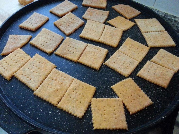 CRACKERS GUSTO PIZZA COTTI IN PADELLA SENZA LIEVITO -Latte di Mandorla Blog Ricette senza Lattosio - Copyright © All Rights Reserved