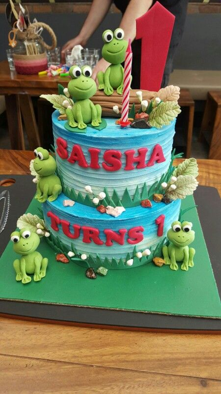 Saisha's five little speckled frog cake