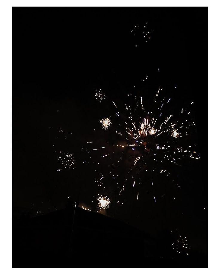 #fireworks #fireworkshow #fireworks2015 #0 #newyear #happynewyear #nye #newyear2016 #sydney #sel24240 #oslo #nye2015 #norway #newyearseve #sydneynewyear #sydneyharbourbridge #newyears #lunapark #london #night #love #friends #view #picoftheday #party #newtearseve #newtears #newtear #snow #happy by http.let http://ift.tt/1NRMbNv