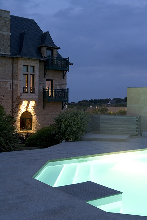 Relais & Chateaux - For the past four centuries, this granite fort on the Croisic peninsula has stood guard over the moods of the sea and the ramparts, moats and drawbridges are all still standing. Le Fort de l'Océan - FRANCE #relaischateaux #europa