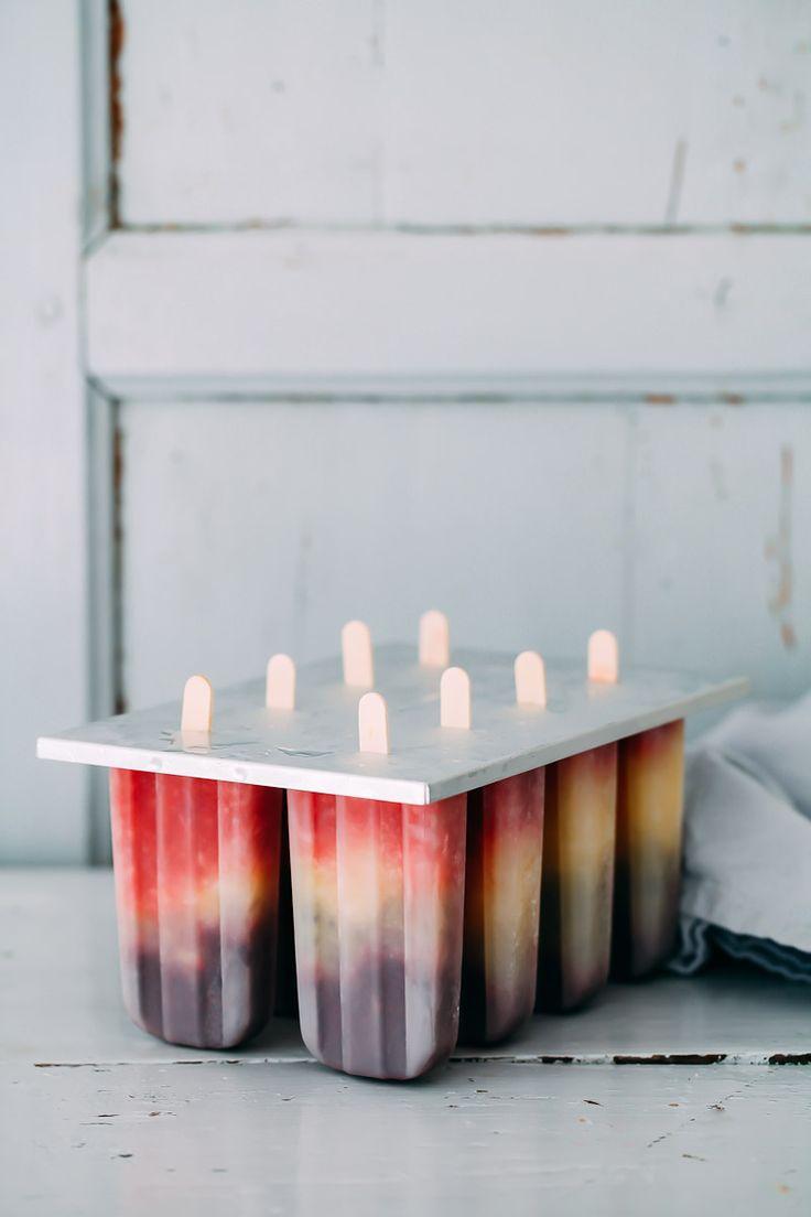 Popsicles Rezept Eis am Stiel selbermachen Eis am Stiel formen Fruchteis fruity rainbow popsicles foodstyling food photography zuckerzimtundliebe deutscher foodblog einfaches rezept