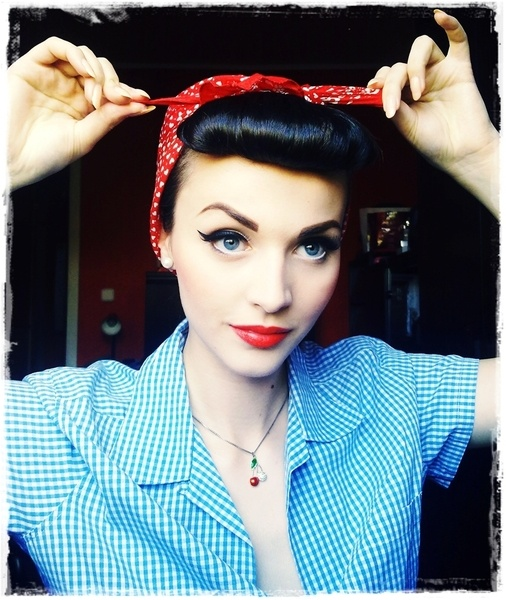 50s style: Vintage Makeup, Red Lips, Hair Makeup, Up Style, Pinup, Rosie The Riveter, Rockabilly Girls, Girls Style, Pin Up Girls