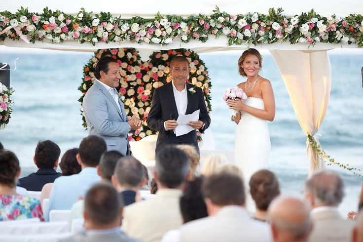 Wedding at the beach! #weddingscrete #amirandeshotel #weddingdecoration #weddingatbeach